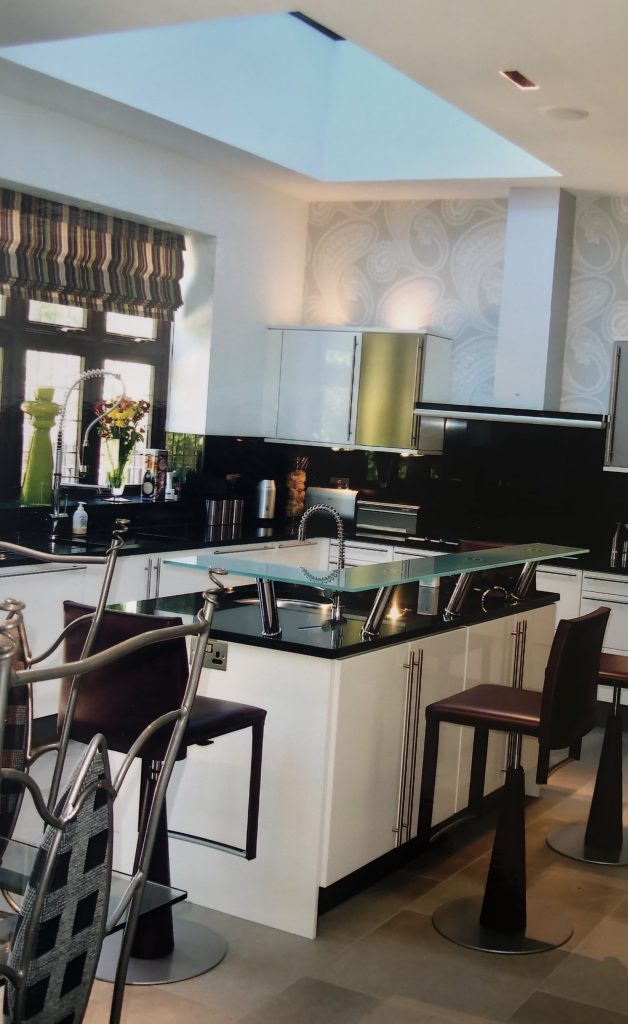 Kitchen with Lutron lighting control